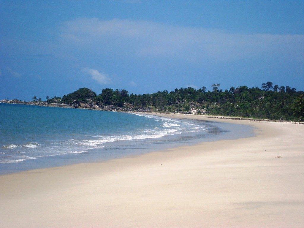 paket wisata Lombok - pantai Sengigi