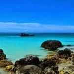Travelling ke Laut Mati Versi Indonesia di Pantai Tureloto