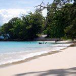 Keindahan dan Keeksotisan Pantai Pasir Putih Situbondo