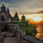 Melihat Keindahan Alam dari Ketinggian Tebing Pura Uluwatu, Bali